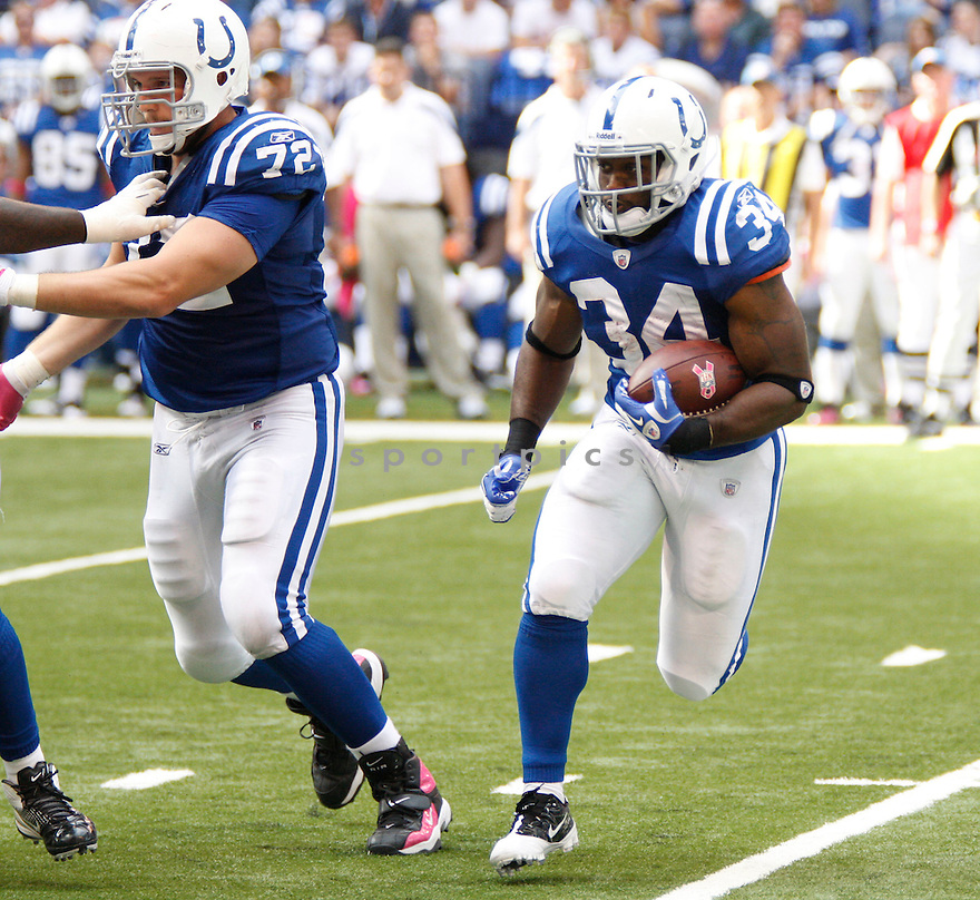DELONE CARTER, of the Indianapolis Colts, in action during the Colts game against the Kansas City Chiefs on October 9, 2011 at Lucas Oil Stadium in Indianapolis, IN. The Chiefs beat the Colts 28-24.