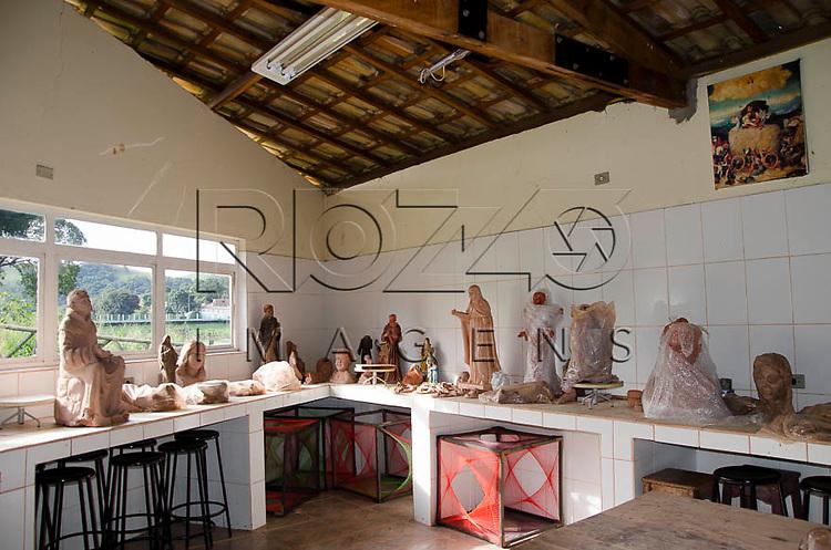 Escola de Arte Sacra em Pirapora do Bom Jesus - SP, 04/2014. cidade situada na margem do Rio Tietê poluido - área metropolitana de São Paulo.