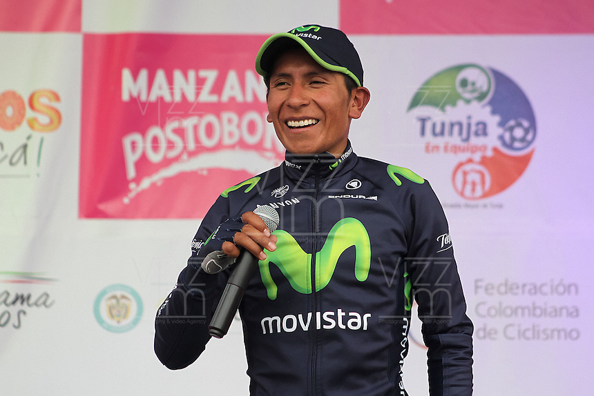 TUNJA - COLOMBIA- 21- 02-2016: Nairo Quintana se dirige al público después de la prueba ruta categoría Elite hombres con recorrido entre las ciudades de Sogamoso y Tunja en una distancia 174,6 km kilometros de Los Campeonato Nacionales de Ciclismo 2016, que se realizan en Boyaca. / Nairo Quintana speaks to the public after the Elite test individual route men conducted  between the towns of Sogamoso and Tunja at a distance of 174,6 km of the National Cycling Championships 2016 performed in Boyaca. / Photo: VizzorImage / Cesar Melgarejo / Cont.