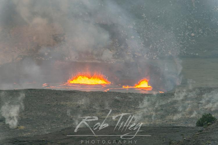USA, HI, Big Island, Volcanoes NP, Kilauea Lava Lake at Halemaumau Crater at dawn
