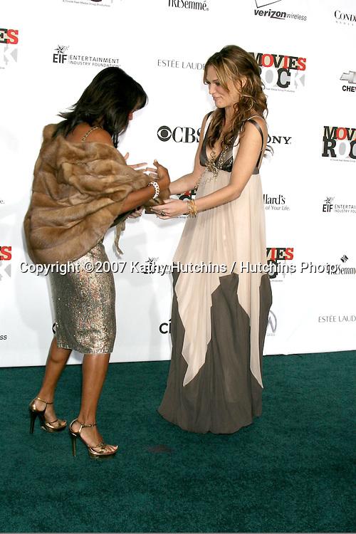 "Regina King & Molly Sims.""Movies Rock"" Arrivals 2007.Kodak Theater.Los Angeels,  CA.December 2, 2007.©2007 Kathy Hutchins / Hutchins Photo...               ."