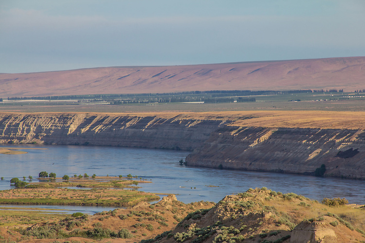 Hanford Reach National Monument, White Bluffs, Wahluke Slope, Columbia River, agricultural, development boundary, Columbia Basin, eastern Washington, Washington State, Pacific Northwest, USA, North America,