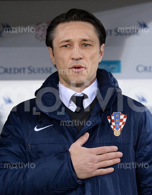 FUSSBALL INTERNATIONALES TESTSPIEL in Sankt Gallen Schweiz - Kroatien       05.03.2014 Trainer Niko Kovac (Kroatien) bei der Nationalhymne