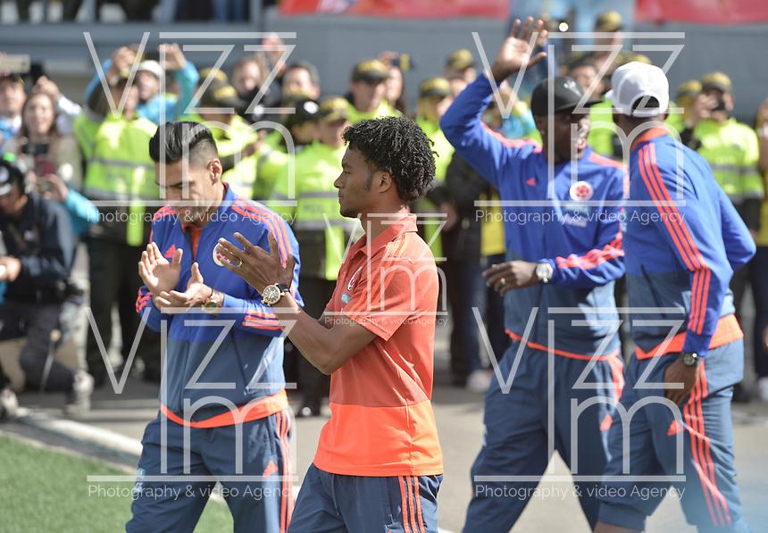 BOGOTA - COLOMBIA, 05-07-2018: Radamel FALCAO GARCIA y Juan CUADRADO jugadores de la Selección Colombia de fútbol reciben un homenaje hoy, 05 de julio de 2018, después de su participación en la Copa Mundial de la FIFA Rusia 2018. El acto tuvo lugar een el estadio Nemesio Camacho El Campín de la ciudad de Bogotá / Radamel FALCAO GARCIA and Juan CUADRADO players of Colombia national soccer team receives tribute today, July 5, 2018, after their participation in the FIFA World Cup Russia 2018. The event took place at Nemesio Camacho El Campin stadium in Bogota city. Photo: VizzorImage / Gabriel Aponte / Staff