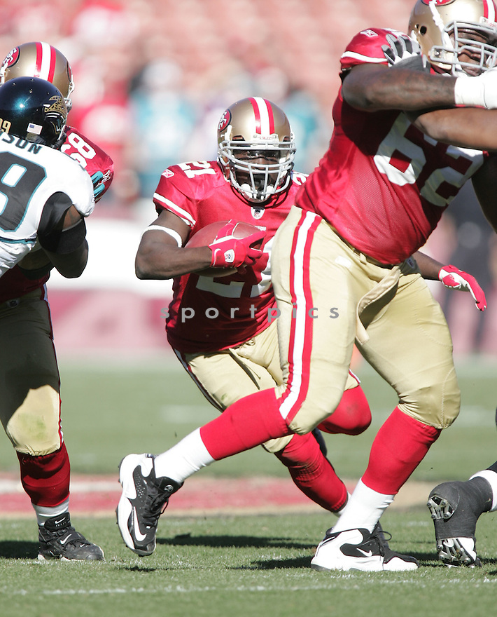 FRANK GORE, of the San Francisco 49ers, in action during the 49ers game against the Jacksonville Jaguars on November 29, 2009 in San Francisco, CA. 49ers won 20-3.