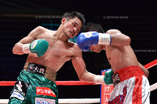 (L-R) Kohei Kono (JPN), Inthanon Sithchamuang (THA),<br /> APRIL 27, 2016 - Boxing :<br /> Kohei Kono of Japan hits Inthanon Sithchamuang of Thailand in the seventh round during the WBA super flyweight title bout at Ota-City General Gymnasium in Tokyo, Japan. (Photo by Hiroaki Yamaguchi/AFLO)