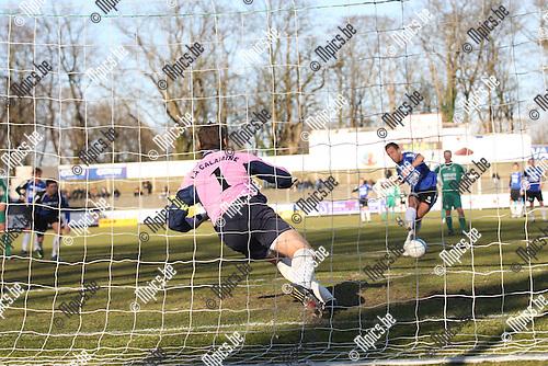2009-03-08 / Voetbal / Rupel-Boom -  Kelmis / Davy De Smedt (BO) scoort vanop de stip.