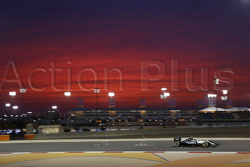 01.04.2016. Bahrain. FIA Formula One World Championship 2016, Grand Prix of Bahrain, Practise day.  6 Nico Rosberg (GER, Mercedes AMG Petronas Formula One Team) as the sun goes down over the circuit
