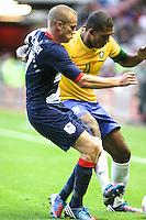 MIDDLESBROUGH, INGLATERRA, 20 JULHO 2012 - AMISTOSO INTERNACIONAL - BRASIL X GRA-BRETANHA - O jogador Juan (D), da Seleção Brasileira, durante amistoso contra a Grã-Bretanha, no estádio Riverside, em Middlesbrough, na Inglaterra, no último jogo antes do início da Olimpíada. (FOTO: GUILHERME ALMEIDA / BRAZIL PHOTO PRESS).
