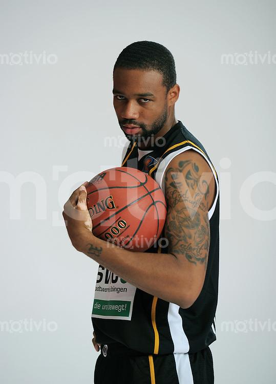 1. Basketball Bundesliga 2011/2012  21.08.2010 Walter Tigers Tuebingen   Reggie Redding (Tigers)