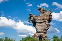 Deutschland, Rheinland-Pfalz, Dahner Felsenland im suedlichen Pfaelzerwald, bei Busenberg: Ruine der Burg Drachenfels | Germany, Rhineland-Palatinate, Dahner Felsenland at southern Palatinate Forest, near Busenberg: remains of Castle Drachenfels