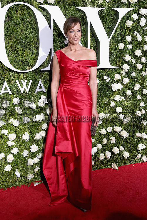NEW YORK, NY - JUNE 11:  Allison Janney attends the 71st Annual Tony Awards at Radio City Music Hall on June 11, 2017 in New York City.  (Photo by Walter McBride/WireImage)