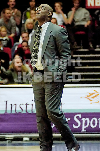groningen, capitals - eiffeltowers eredivisie basketbal seizoen 2007-2008 11-11-2007 coach randy wiel..
