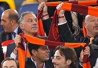 Calcio, Serie A: Roma vs Lazio. Roma, Stadio Olimpico, 8 aprile 2013..AS Roma president James Pallotta, of the United States, left, on the stand prior to the start of the Italian serie A football match between A.S. Roma  and Lazio at Rome's Olympic stadium, 8 april 2013..UPDATE IMAGES PRESS/Riccardo De Luca