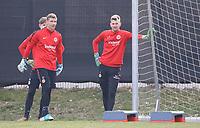 Torwart Lukas Hradecky (Eintracht Frankfurt) und Torwart Jan Zimmermann (Eintracht Frankfurt), Torwart Leon Bätge (Eintracht Frankfurt) - 06.03.2018: Eintracht Frankfurt Training, Commerzbank Arena