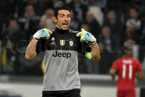 23.02.2016. Turin, Italy. UEFA Champions League football. Juventus versus Bayern Munich.  Gianluigi Buffon (Juventus) gives Instructions to his defense