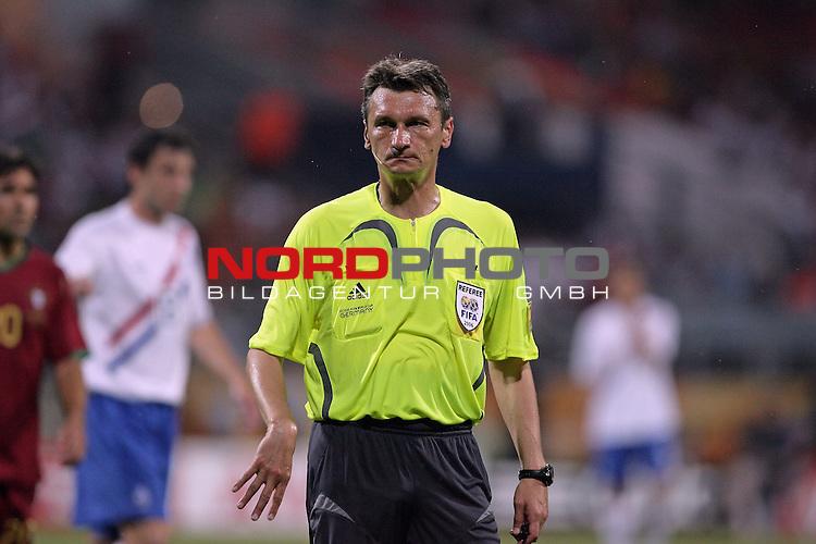 FIFA WM 2006 -  Round of Sixteen - / Viertelfinale <br /> Play     #52 (25-Jun) - Portugal vs Niederlande ( Holland ) 1:0<br /> <br /> Referee Valentin Ivanov <br /> <br /> <br /> Foto &copy; nordphoto