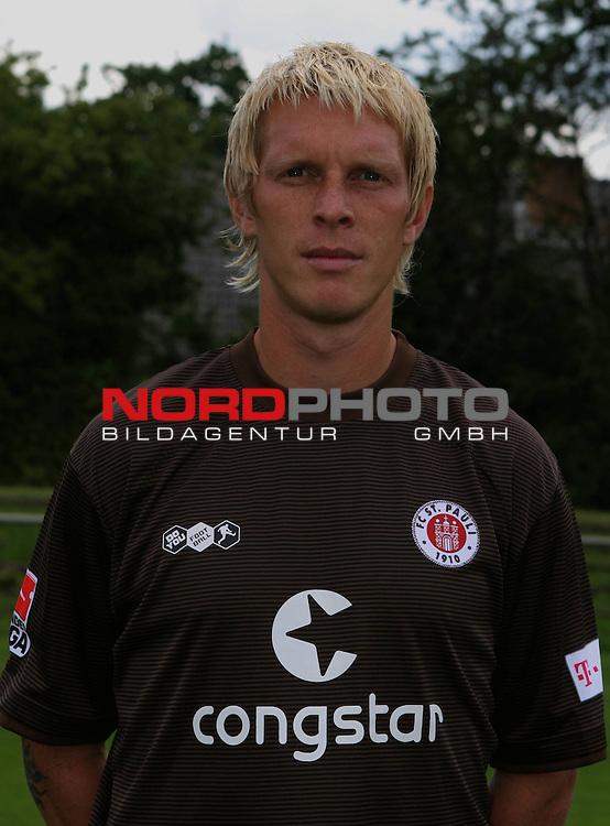 2.Liga 08/0 &ndash; FC St.Pauli Mannschaftsfoto 13.07.08<br /> FC St.Pauli <br /> <br /> Gruppen-Einzel-und Mannschaftsfotos beim FC St.Pauli am Trainingsgel&auml;nde Kollaustrasse. Gleichzeitig Tag der offenen T&uuml;r f&uuml;r Fans. Hier Marius Ebbers von Alemannia Aachen.<br /> <br /> <br /> Foto &copy; nph (nordphoto)<br /> <br /> *** Local Caption ***