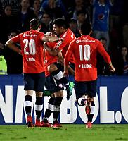 BOGOTÁ - COLOMBIA, 17-05-2018: Los jugadores de Club Atlético Independiente (ARG), celebran el gol anotado a Millonarios (COL), durante partido entre Millonarios (COL) y Club Atlético Independiente (ARG), de la fase de grupos, grupo G, fecha 5 de la Copa Conmebol Libertadores 2018, en el estadio Nemesio Camacho El Campin, de la ciudad de Bogota. / The players of Club Atlético Independiente (ARG), celebrate a scored goal to Millonarios (COL), during a match between Millonarios (COL) and Club Atletico Independiente (ARG), of the group stage, group G, 5th date for the Conmebol Copa Libertadores 2018 in the Nemesio Camacho El Campin stadium in Bogota city. VizzorImage / Luis Ramirez / Staff.