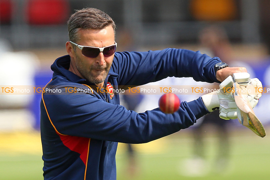 Essex head coach Paul Grayson during the warm-up - Essex CCC vs Surrey CCC - LV County Championship Division Two Cricket at the Essex County Ground, Chelmsford, Essex - 26/05/14 - MANDATORY CREDIT: Gavin Ellis/TGSPHOTO - Self billing applies where appropriate - 0845 094 6026 - contact@tgsphoto.co.uk - NO UNPAID USE