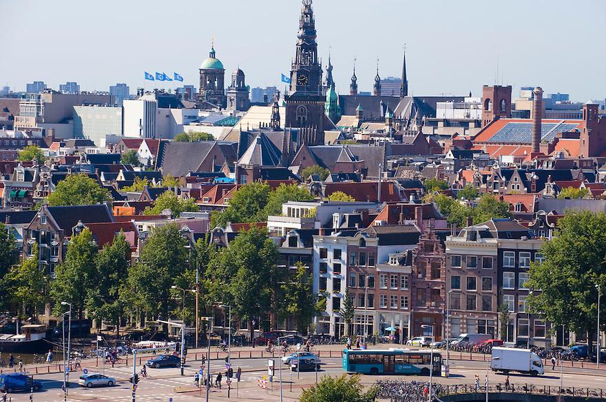 Nederland, Amsterdam, 9 sept  2008.Stadsgezicht Amsterdam met oude grachtenpanden..Foto (c) Michiel Wijnbergh