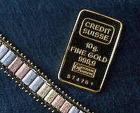 GOLD: 10g INGOT &amp; DECORATIVE COLORED GOLD CHAIN<br /> Pure Elemental Gold &amp; Homogeneous Gold Mixtures.<br /> Red gold is a copper-gold alloy w/25% copper.  Yellow gold is a silver-copper-gold alloy.  White gold (looks blue) is a nickel, zinc or palladium-gold alloy.