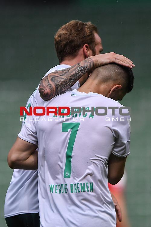 Torjubel nach dem 2-0: Torschuetze Milot Rashica (Werder Bremen) und Kevin Vogt (Werder Bremen).<br /><br />Sport: Fussball: 1. Bundesliga:: nphgm001:  Saison 19/20: 34. Spieltag: SV Werder Bremen - 1. FC Koeln, 27.06.2020<br /><br />Foto: Marvin Ibo GŸngšr/GES/Pool/via gumzmedia/nordphoto