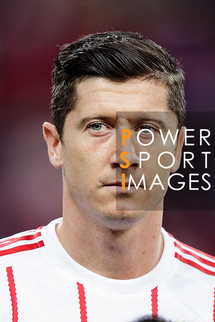 Bayern Munich Forward Robert Lewandowski getting into the field during the International Champions Cup match between FC Bayern and FC Internazionale at National Stadium on July 27, 2017 in Singapore. Photo by Marcio Rodrigo Machado / Power Sport Images