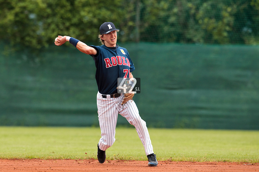 03 June 2010: Second base Luc Piquet of Rouen takes infield practice prior to the 2010 Baseball European Cup match won  8-4 by C.B. Sant Boi over the Rouen Huskies, at the Kravi Hora ballpark, in Brno, Czech Republic.