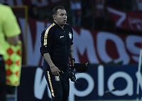 ARMENIA - COLOMBIA, 02-02-2020: Jhon Gomez técnico del Chicó gesticula durante partido por la fecha 3 de la Liga BetPlay DIMAYOR I 2020 entre América de Cali y Boyacá Chicó jugado en el estadio Centenario de la ciudad de Armenia. / Jhon Gomez coach of Chico gestures during match for the for the date 3 as part of BetPlay DIMAYOR League I 2020 between America de Cali and Boyaca Chico played at Centenario stadium in Armenia city. Photo: VizzorImage / Gabriel Aponte / Staff