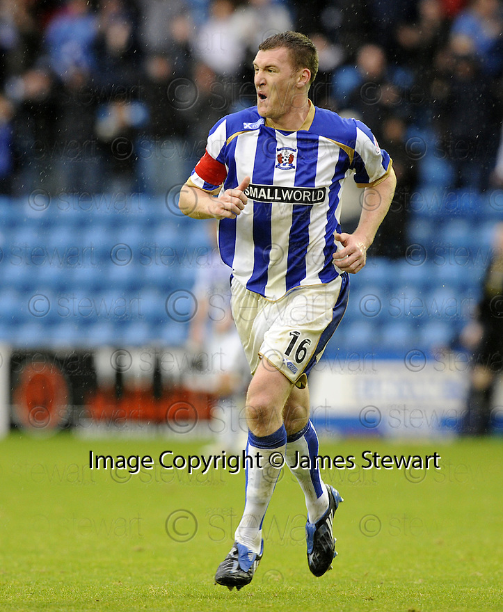 24/10/2009  Copyright  Pic : James Stewart.sct_jspa14_kilmarnock_st_johnstone  . :: KEVIN KYLE CELEBRATES AFTER HE SCORES THE SECOND :: .James Stewart Photography 19 Carronlea Drive, Falkirk. FK2 8DN      Vat Reg No. 607 6932 25.Telephone      : +44 (0)1324 570291 .Mobile              : +44 (0)7721 416997.E-mail  :  jim@jspa.co.uk.If you require further information then contact Jim Stewart on any of the numbers above.........