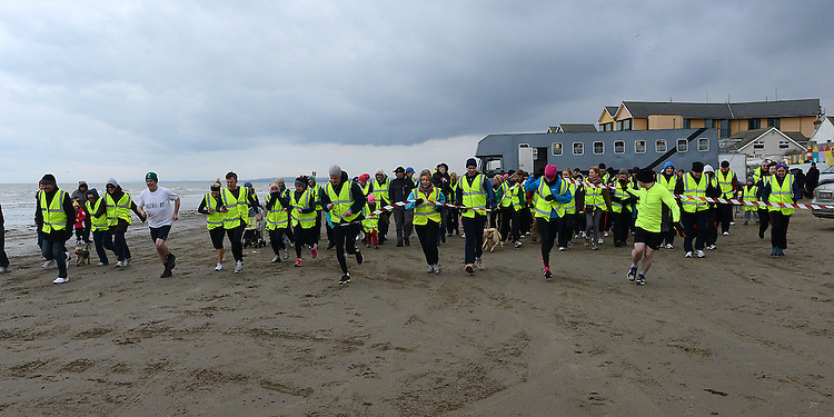 The start of the St Mary's Drumcar 5K run on Bettystown beach. Photo:Colin Bell/pressphotos.ie