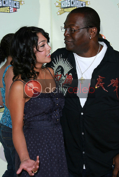 Vanessa Anne Hudgens and Randy Jackson<br />at Nickelodeon's 20th Annual Kids' Choice Awards. Pauley Pavillion, Westwood, CA. 03-31-07<br />Dave Edwards/DailyCeleb.com 818-249-4998