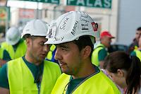 Bergarbeiterstreik in Spanien.<br />Bergarbeiter auf dem &quot;Marcha Negra&quot; - der schwarze Marsch (schwarz wegen der Farbe der Kohle) - nach Madrid. Sie wollen mit diesem Marsch die Regierung dazu bringen die 63%ige Kuerzung der Bergbaufoerdeung zurueck zu nehmen.<br />30.6.2012, Benavente/Spanien<br />Copyright: Christian-Ditsch.de<br />[Inhaltsveraendernde Manipulation des Fotos nur nach ausdruecklicher Genehmigung des Fotografen. Vereinbarungen ueber Abtretung von Persoenlichkeitsrechten/Model Release der abgebildeten Person/Personen liegen nicht vor. NO MODEL RELEASE! Don't publish without copyright Christian-Ditsch.de, Veroeffentlichung nur mit Fotografennennung, sowie gegen Honorar, MwSt. und Beleg. Konto:, I N G - D i B a, IBAN DE58500105175400192269, BIC INGDDEFFXXX, Kontakt: post@christian-ditsch.de.<br />Urhebervermerk wird gemaess Paragraph 13 UHG verlangt.]