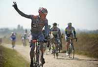 111th Paris-Roubaix 2013..assistance needed
