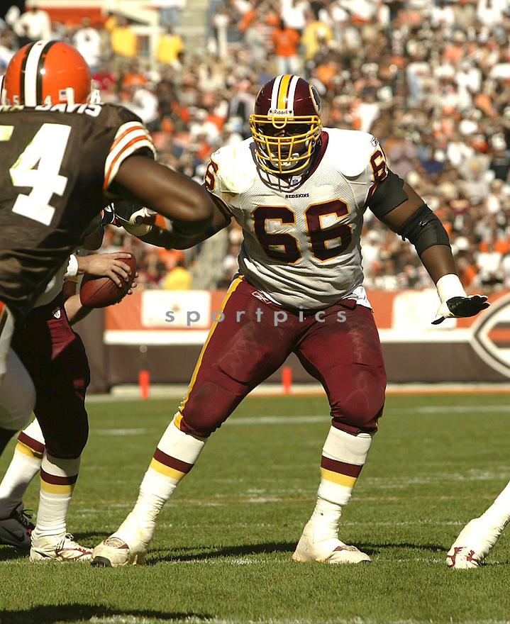 Derrick Dockery during the Redskins v. Browns game on October 3, 2004. Browns win 17 - 13..Kevin Tanaka / SportPics
