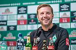 04.10.2019, wohninvest WESERSTADION, Bremen, GER, 1.FBL, PK SV Werder Bremen<br /> <br /> im Bild<br /> Florian Kohfeldt (Trainer SV Werder Bremen), <br /> <br /> Foto © nordphoto / Ewert