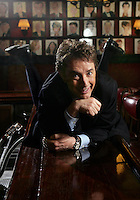 """(cover select)...MARTIN SHORT bellies up on the bar at Sardi's.  He is on Broadway in """"Martin Short: Fame Becomes Me"""", a musical comedy spoof about celebrity, vanity and fame.  Sardi's, W. 44 St., NYC.  Newsday/ARI MINTZ  7/28/2006."""