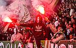 Stockholm 2015-10-25 Fotboll Allsvenskan Hammarby IF - Malm&ouml; FF :  <br /> Hammarbys supportrar med bengaler under matchen mellan Hammarby IF och Malm&ouml; FF <br /> (Foto: Kenta J&ouml;nsson) Nyckelord:  Fotboll Allsvenskan Tele2 Arena Hammarby HIF Bajen Malm&ouml; FF MFF supporter fans publik supporters