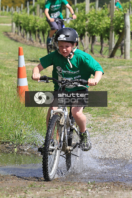Earthcare Environmental Marlborough Kids Duathlon, Brancott Vineyard, Blenheim, 13 Nov 2011<br /> Photographer: Gavin Hadfield