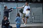 07.07.2020, Trainingsgelaende am wohninvest WESERSTADION,, Bremen, GER, 1.FBL, Werder Bremen - der Tag nach Heidenheim, im Bild<br /> <br /> <br /> Jiri Pavlenka (Werder Bremen #01) verschenkt seine HAndschuhe an einen FAN<br /> <br /> <br /> Foto © nordphoto / Kokenge