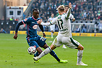 04.11.2018, Stadion im Borussia-Park, Moenchengladbach, GER, 1. FBL, Borussia Moenchengladbach vs. Fortuna Duesseldorf, DFL regulations prohibit any use of photographs as image sequences and/or quasi-video<br /> <br /> im Bild v. li. im Zweikampf Dodi Lukebakio (#20, Fortuna D&uuml;sseldorf / Duesseldorf) Oscar Wendt (#17, Borussia M?nchengladbach / Moenchengladbach) <br /> <br /> Foto &copy; nordphoto/Mauelshagen