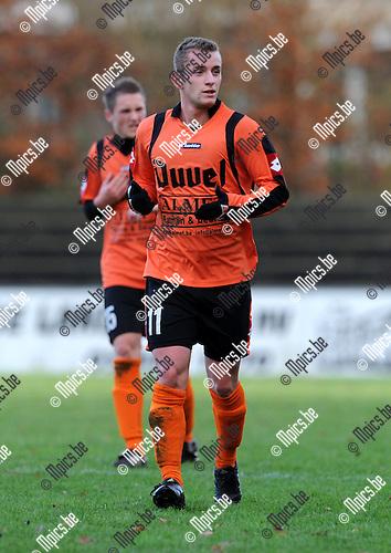 2010-12-12 / Voetbal / seizoen 2010-2011 / Willebroek-Meerhof - Londerzeel / Mickael Van Ransbeeck ..Foto: Mpics