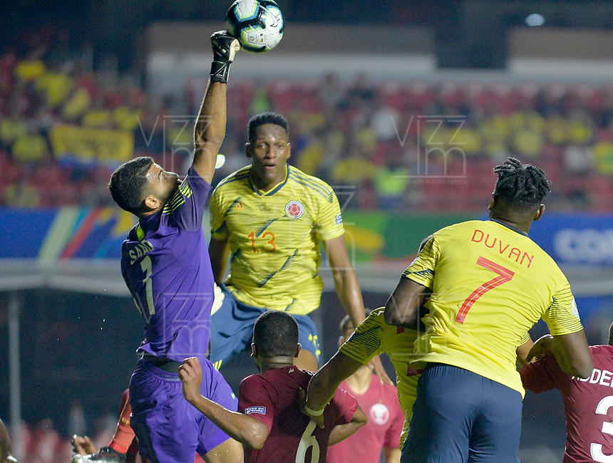 SAO PAULO – BRASIL, 19-06-2019:Yerry Mina de Colombia en acción durante partido de la Copa América Brasil 2019, grupo B, entre Colombia y Catar jugado en el Estadio Morumbí de Sao Paulo, Brasil. / Yerry Mina of Colombia in action during the Copa America Brazil 2019 group B match between Colombia and Qatar played at Morumbi stadium in Sao Paulo, Brazil. Photos: VizzorImage / Julian Medina / Contribuidor
