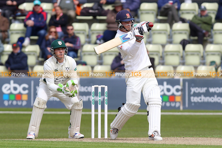 Tom Westley hits four runs for Essex as Ben Cox looks on from behind the stumps during Worcestershire CCC vs Essex CCC, Specsavers County Championship Division 2 Cricket at New Road on 1st May 2016