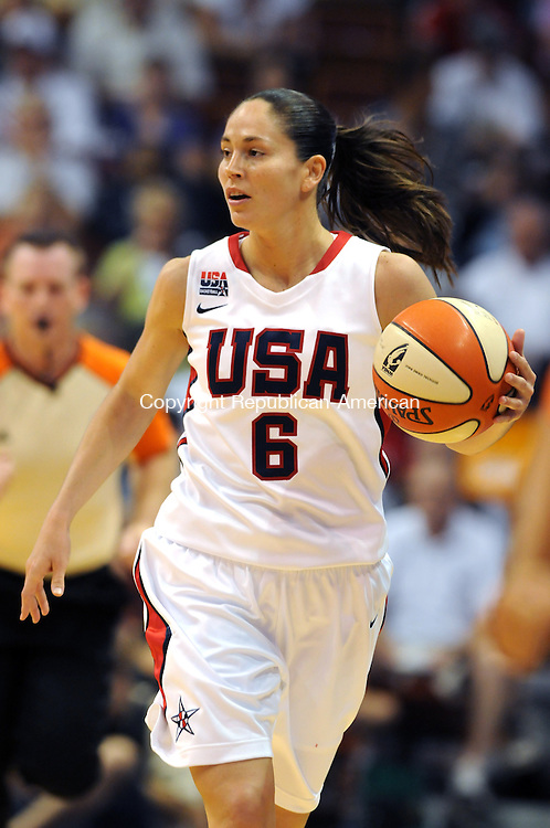 UNCASVILLE, CT 10  JULY, 2010-071010JS02-FOR ACTION MAN-Team USA's Sue Bird (6) brings the ball up court during teir game against the WNBA All-Stars Saturday at the Mohegan Sun Arena in Uncasville. <br /> Jim Shannon Republican-American