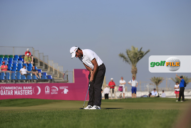 Edoardo MOLINARI (ITA) putts on the 10th green during Thursday's Round 2 of the 2015 Commercial Bank Qatar Masters held at Doha Golf Club, Doha, Qatar.: Picture Eoin Clarke, www.golffile.ie: 1/22/2015