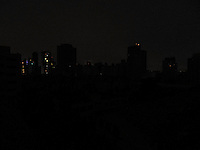 SAO PAULO, SP, 22.09.2013 -BLACKOUT BAIRRO DE PINHEIROS - Blackout no bairro de Pinheiros regiao oeste de Sao Paulo na noite deste domingo, 22. (Foto: Mauricio Camargo / Brazil Photo Press).