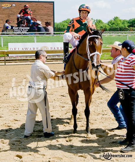 Keep Crossing winning at Delaware Park racetrack on 5/31/14