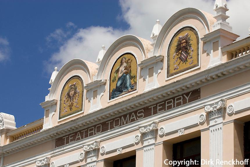 Cuba, Theater Tomas Terry am Parque Jose Marti in Cienfuegos, Unesco-Weltkulturerbe